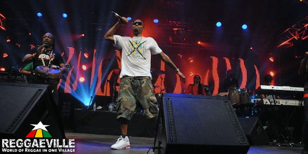 seen. on Nas (Distant Relatives Tour 2010)